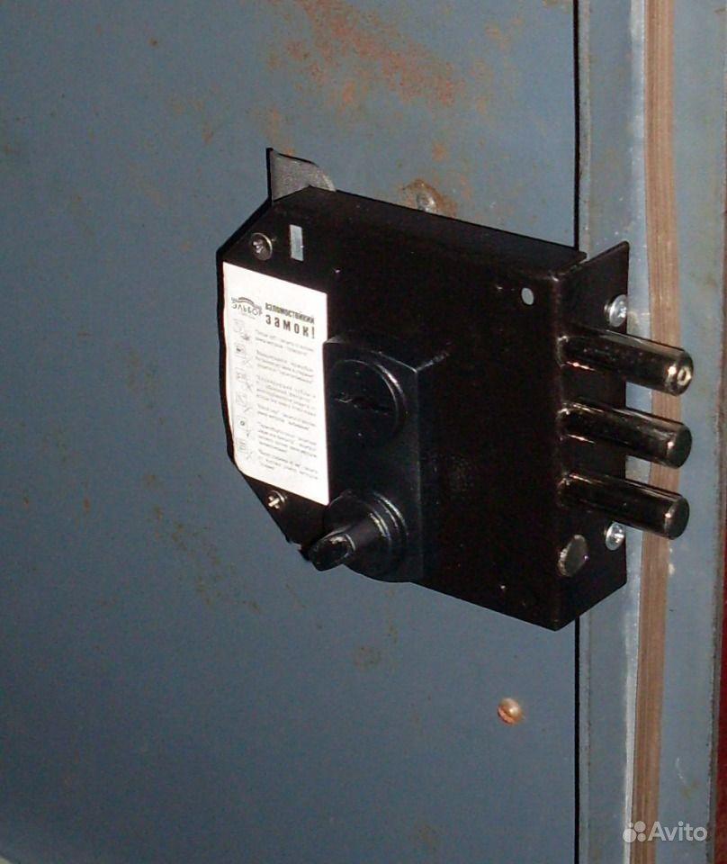 Установка замков барьер в металлические двери своими руками 148