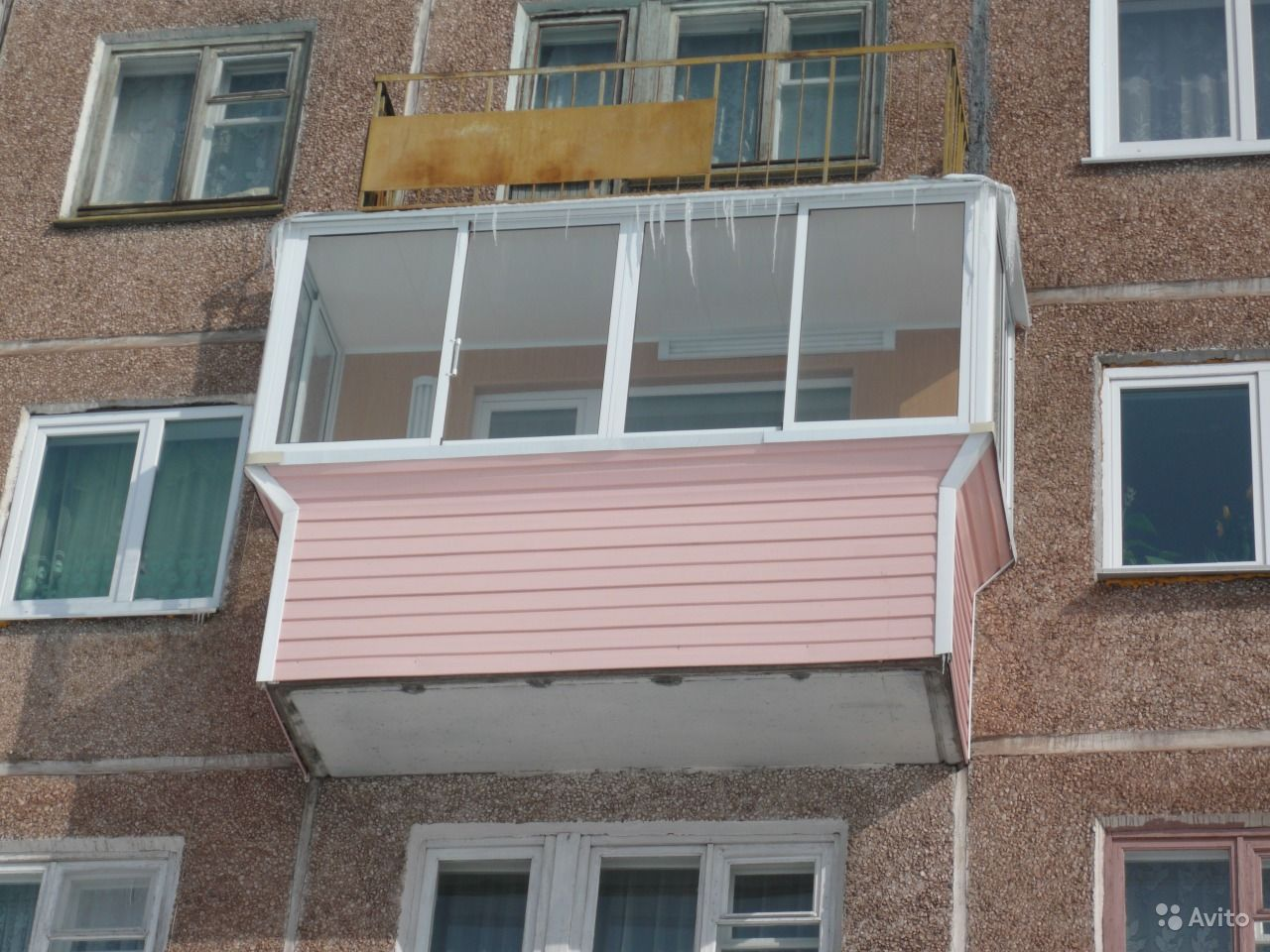 Гефест - остекление балконов и лоджий с отделкой.