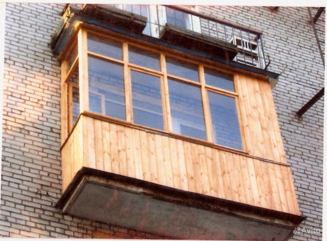 Остекление балкона деревянными рамами: долговечно и экологич.