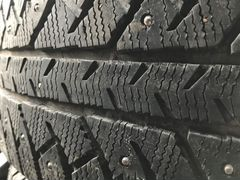 225/65 r17 Bridgestone IC7000