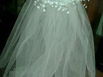 Фата невесты и перчатки