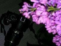 Зеркальный фотоаппарат+сумка+вспышка+зарядка