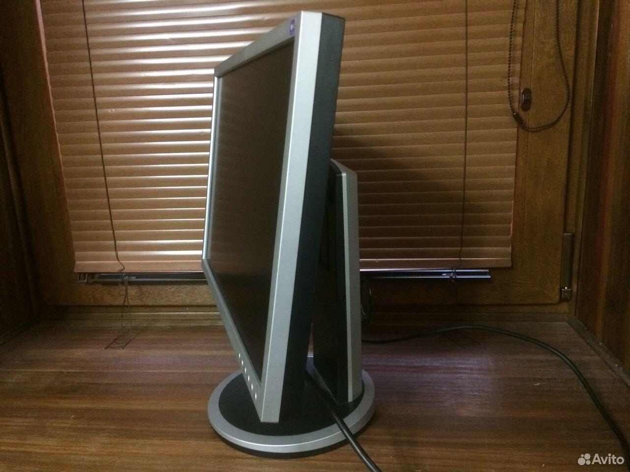 Классный монитор Samsung DVI Регулировка высоты  89964282819 купить 4