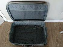Вместительный чемодан на колесах